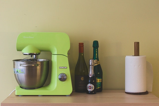 Tips On Keeping Your Kitchen Safe And Clean